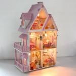 Трехэтажный кукольный дом