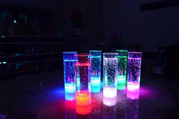 Светящиеся стаканы для праздников