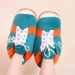 Мягкие тапочки в виде кроссовок